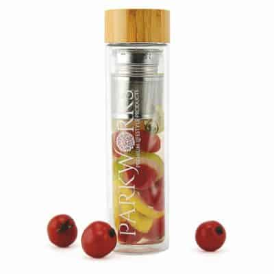 4in1 Teebereiter Shaker Trinkflasche Fruchtinfuser to go